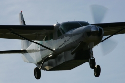 D-FAAC Cessna 208B Grand Caravan – Weston-on-the-Green